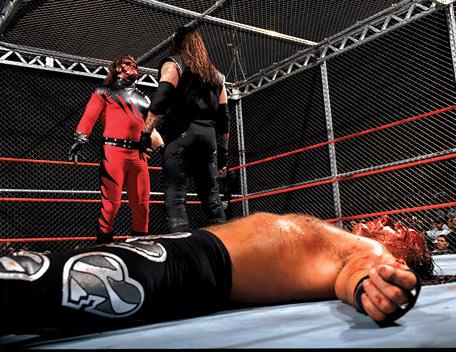 Znalezione obrazy dla zapytania Shawn Michaels vs. The Undertaker (Badd Blood 1997)